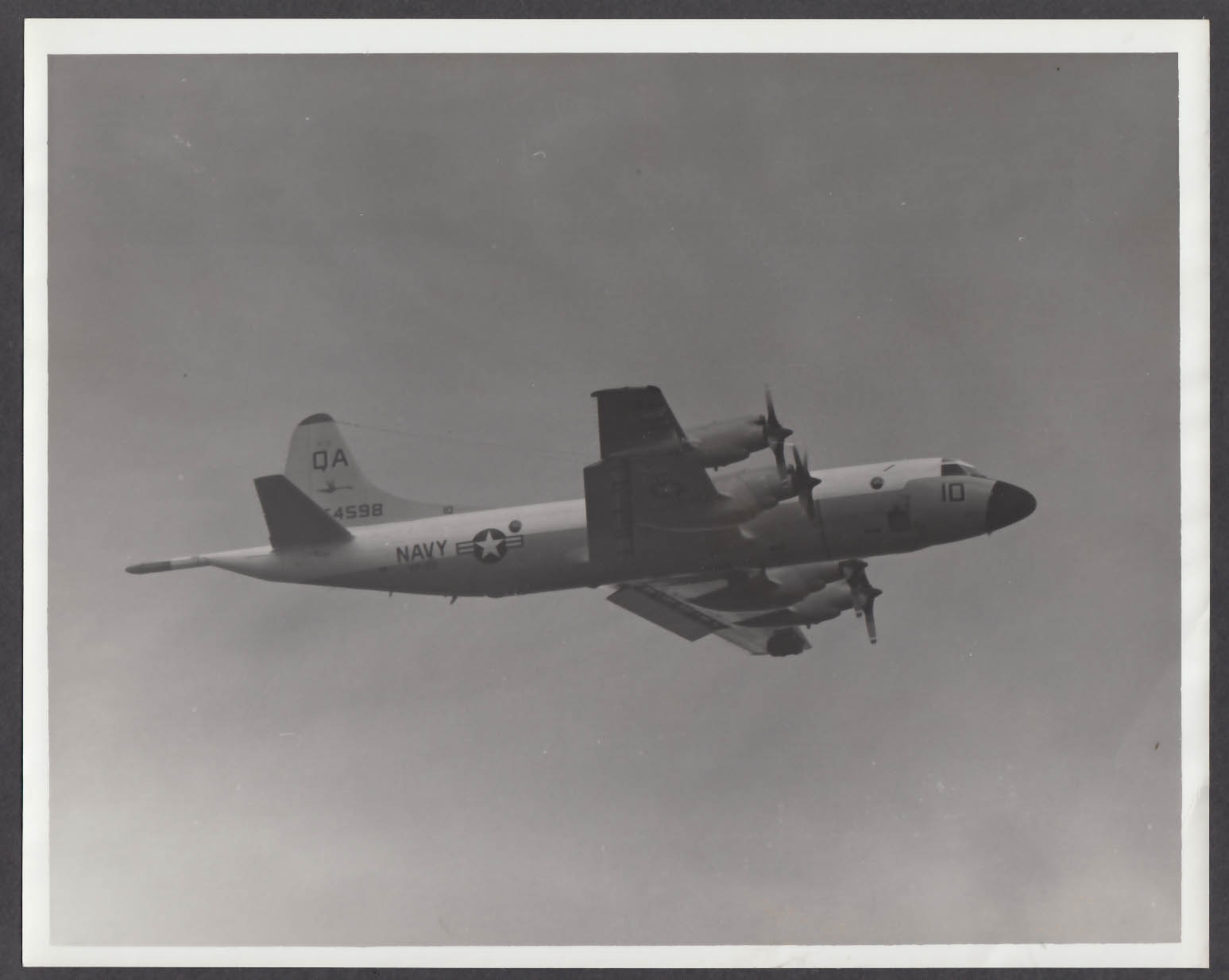 Image for US Navy P-3 Orion in flight QA 54598 8x10 photo 1972