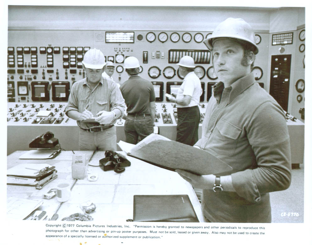 Richard Dreyfuss hard hat Close Encounters of the 3rd Kind 8x10 1977