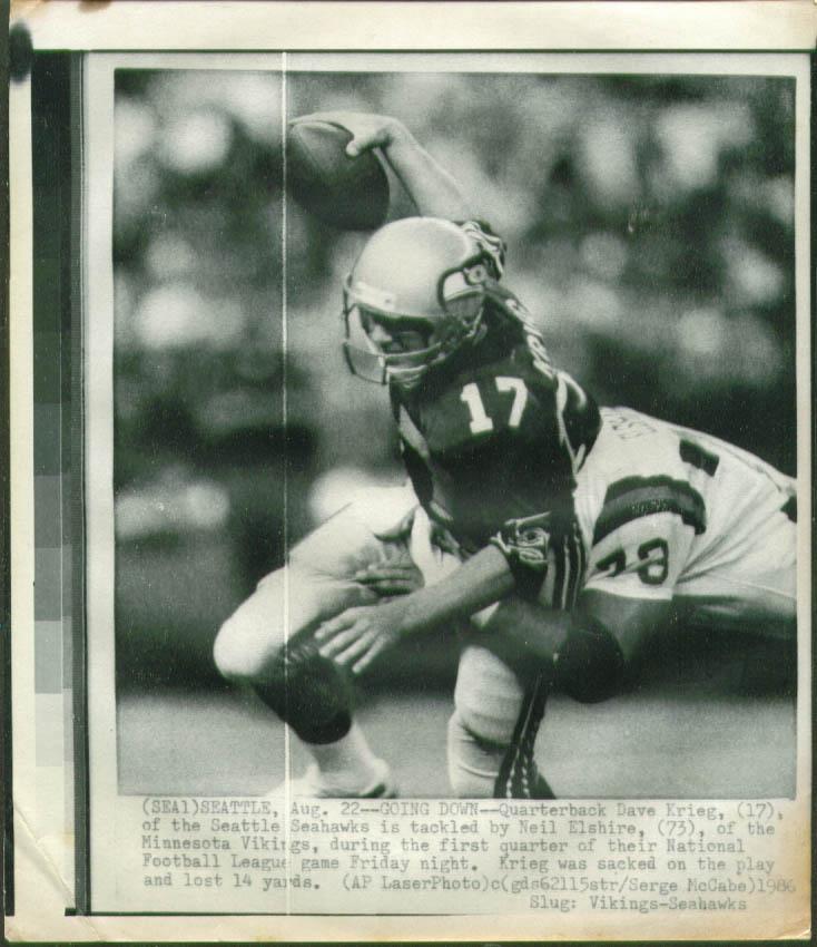 Vikings Elshire stops Seahawks QB Dave Krieg photo 1986