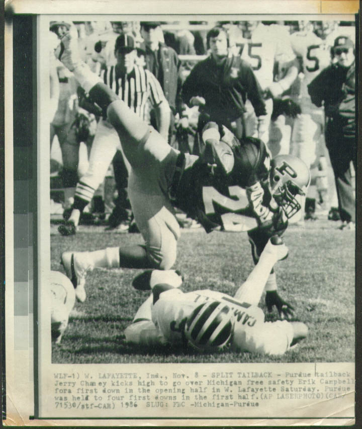 Purdue's TB Chaney over Michigan's Campbell photo 1986