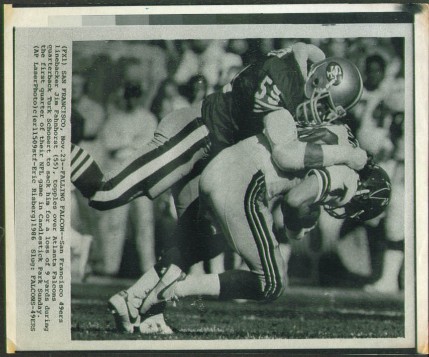 49ers LB Fahnhorst stops Falcons QB Schonert photo 1986