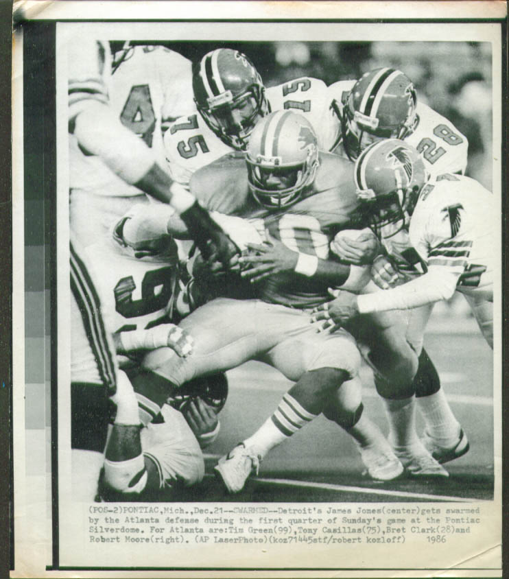 Atlanta Falcons swarrn Lions James Jones photo 1986