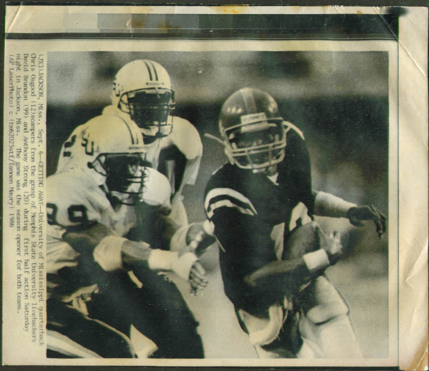 Ole Miss QB Chris Osgood v Memphis State photo 1986