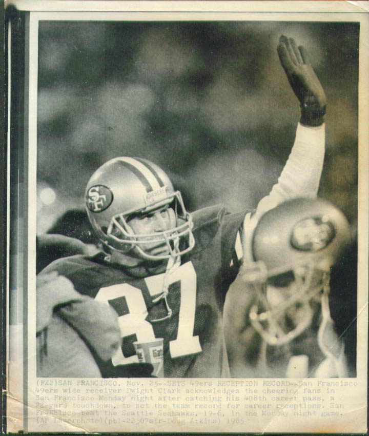 49ers Dwight Clark after record 408th catch photo 1985