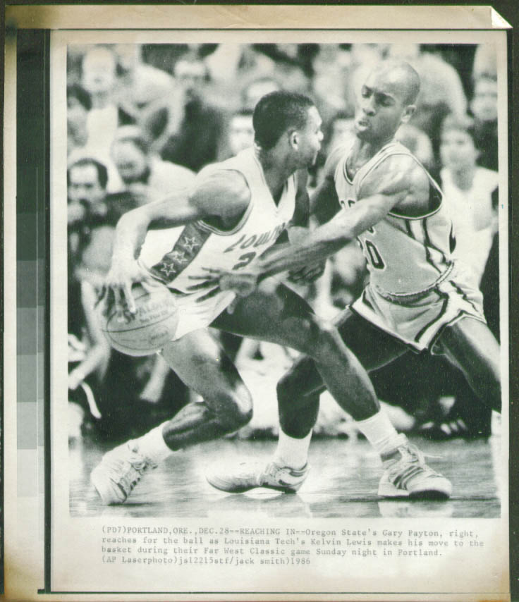 Oregon State's Gary Payton v Louisiana Tech's Lewis photo 1986