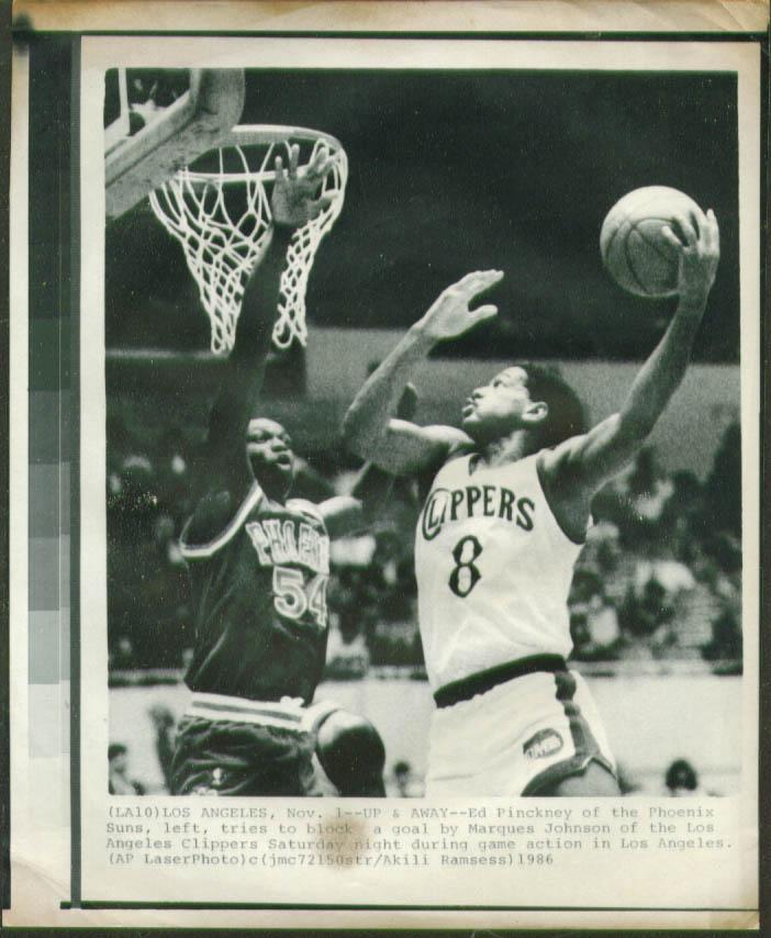 Clippers Johnson v Suns Ed Pinckney NBA photo 1986