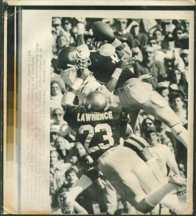 Notre Dame's Lawrence stops USC's Arrington photo 1985