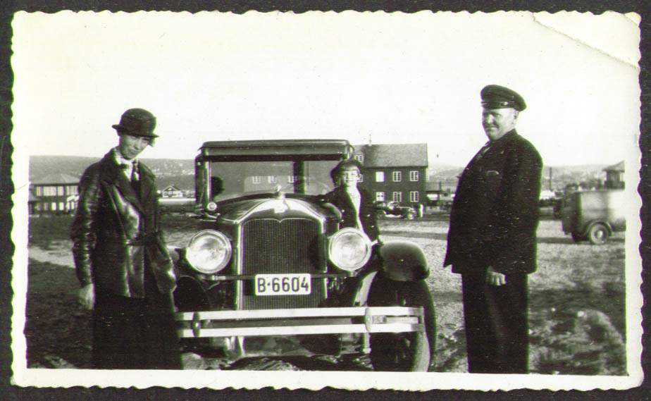 1920 Chevrolet CT Plate 21-314 & family photo
