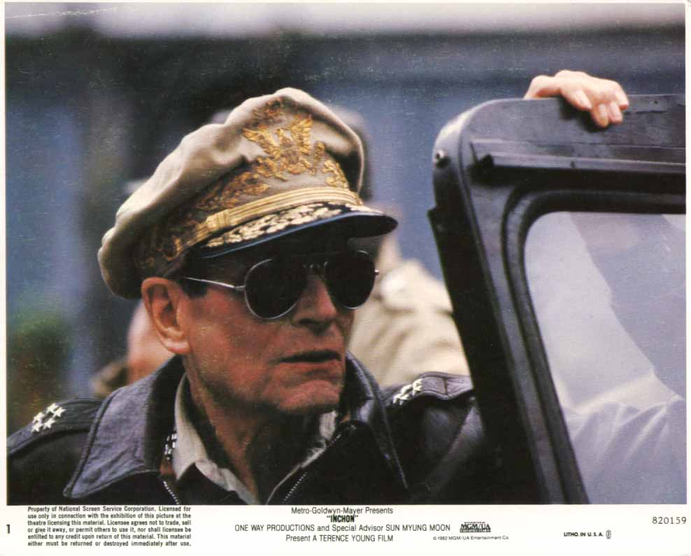 Image for Laurence Olivier as MacArthur in Inchon 1982 8x10 lobby card