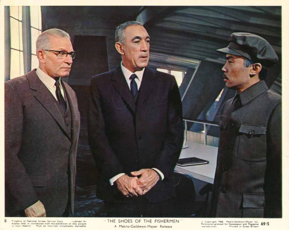 Anthony Quinn Laurence Olivier Shoes of the Fisherman 1969 8x10