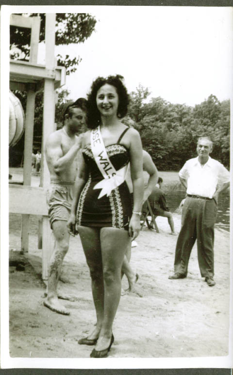 Bathing beauty contestant Rose Walsh snapshot 1940s