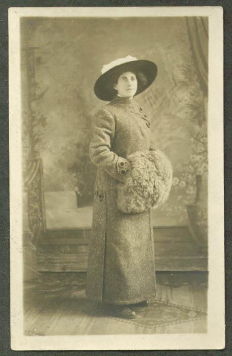 Selma Adler ? Big hat fur muff RPPC ca 1910