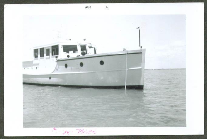 Power boat Chez Moi amateur snapshot 8 1961