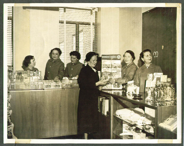 Mount Sinai Hospital Gift Shop Hartford CT photo 1948