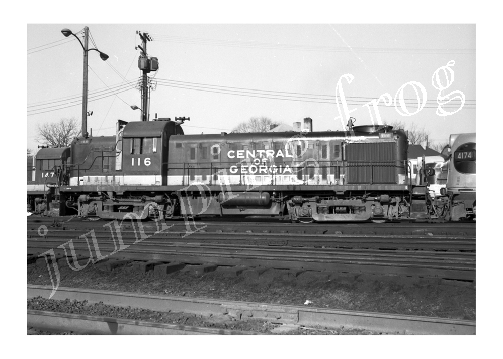 "Central of Georgia diesel locomotive #116 3/4-view 5x7"" photo"