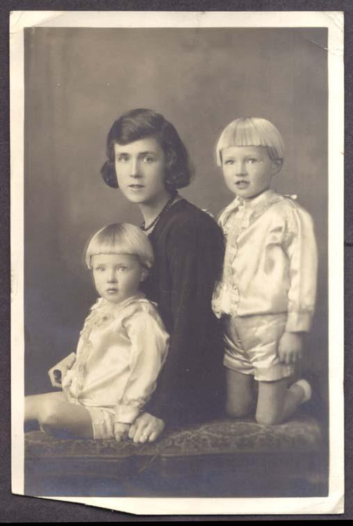Morris & Gordon Reid & Mother Belfast Ireland pic 1931