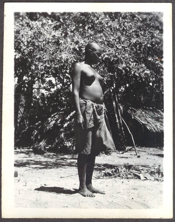 Topless African woman cloth garment photo 1930s