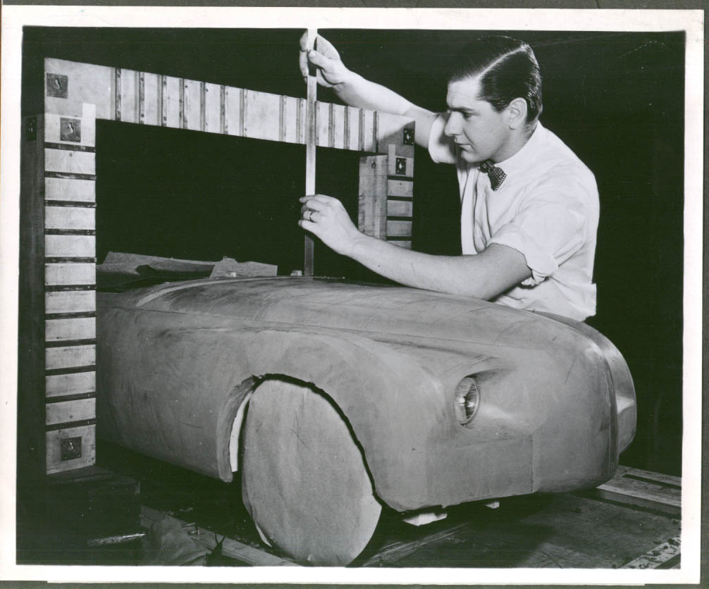 Modeling the Chrysler C-200 Experimental 8x10 1952