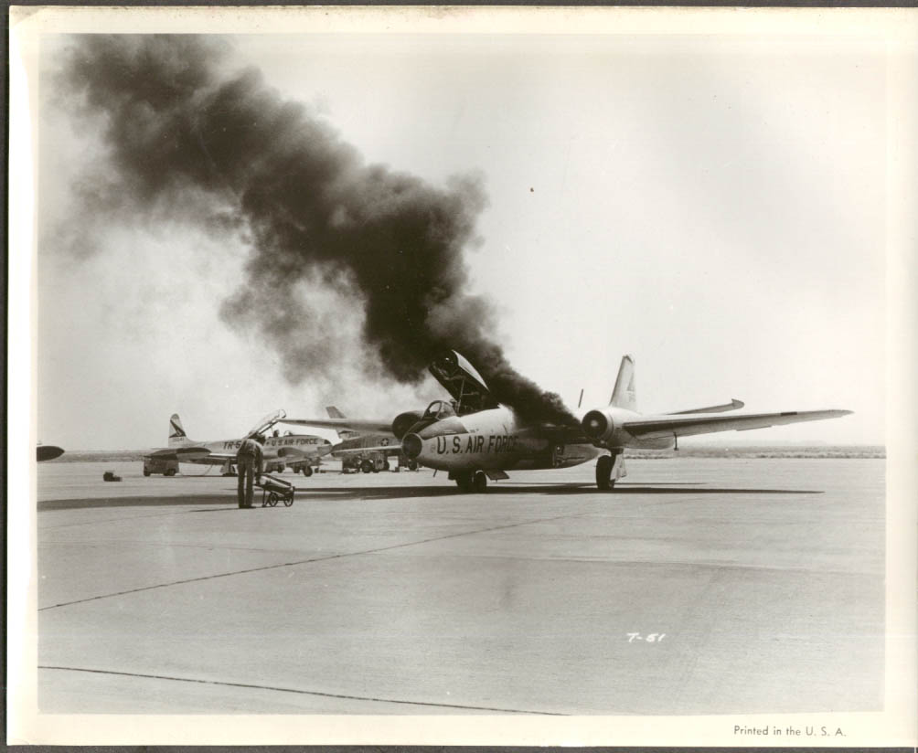 Image for USAF Martin B-57 Canberra starting engines movie still 8x10 1950s