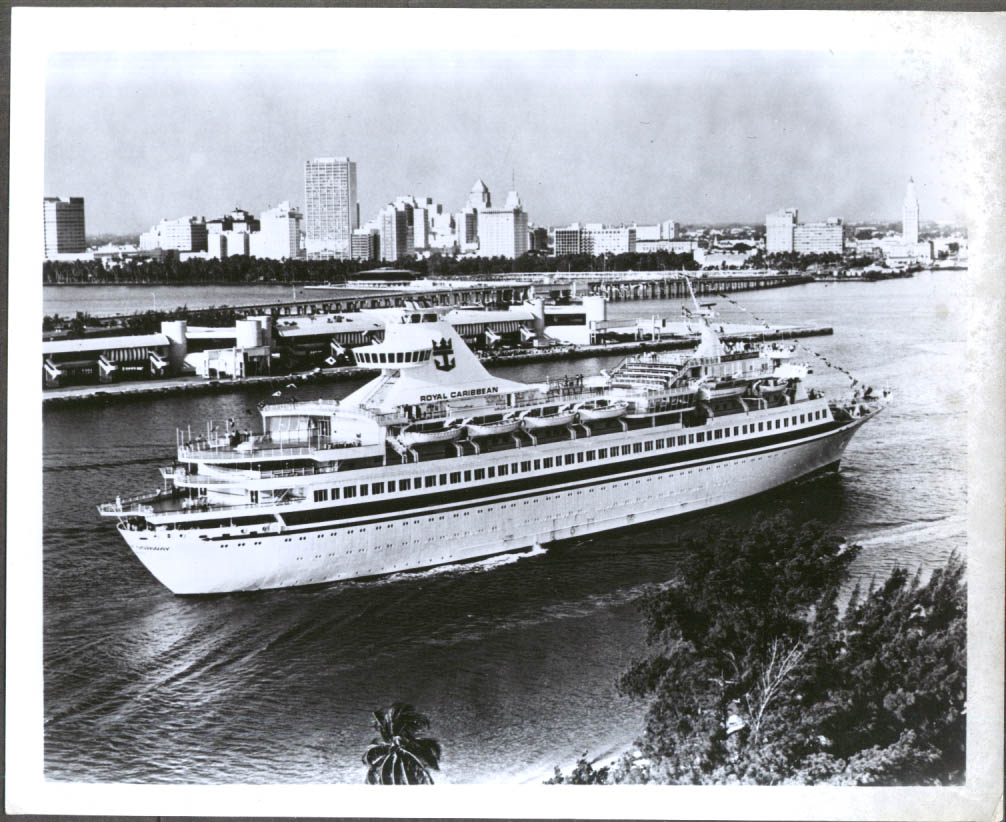 Image for Royal Caribbean M V Song of Norway enters tropical port 8x10 ca 1970s-80s