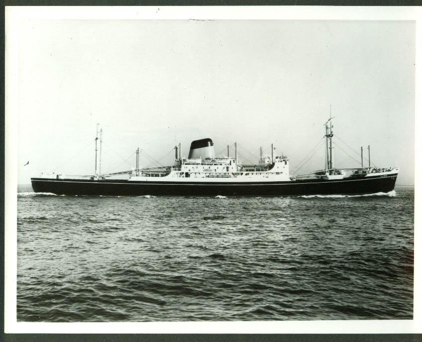 Shaw Savill Line freighter S S Illyric under way photo 1969