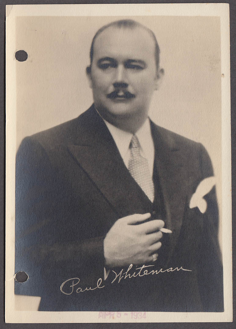 Jazz bandleader Paul Whiteman talent agency file photo 1934