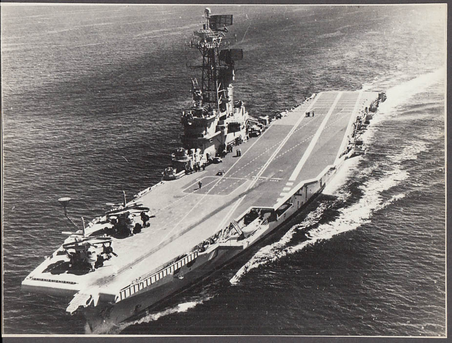 Argentine Navy ARA Veinticinco de Mayo aircraft carrier photo 1970s