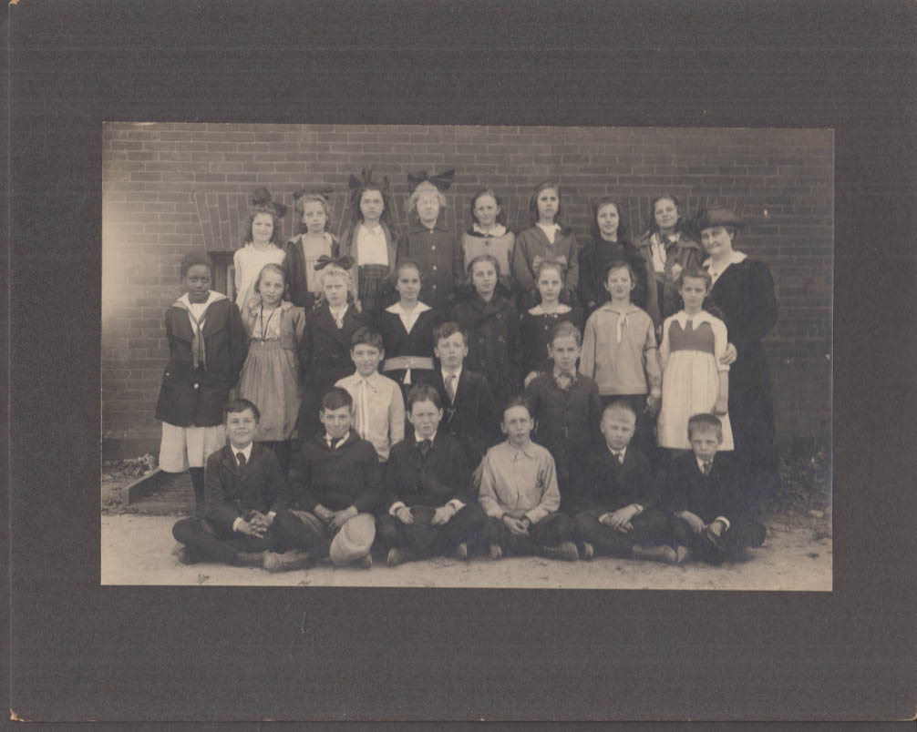 George Pearse's 7th grade class photo ca 1920 15 girls & 9 boys 1 Negro