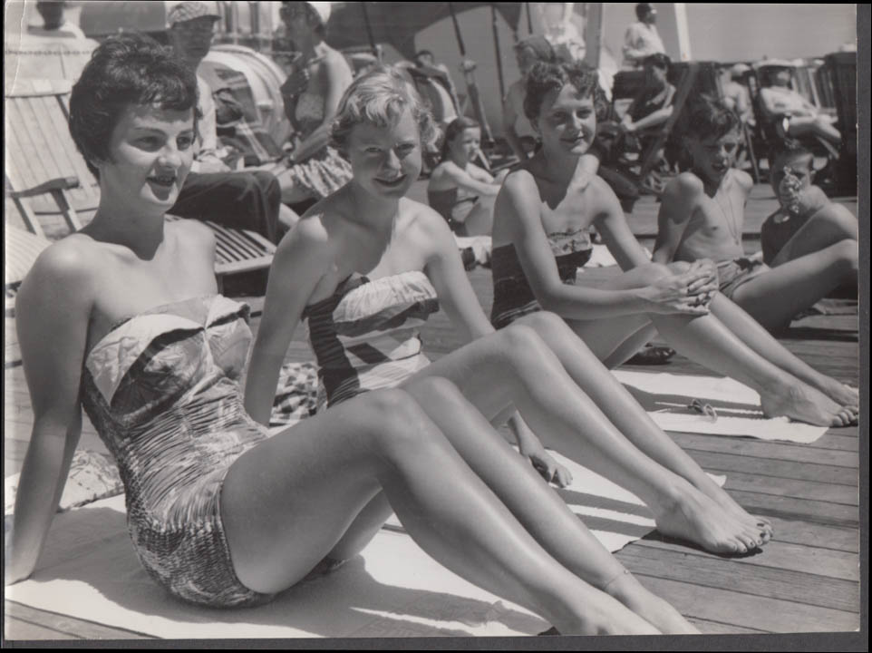 Costa Line MV Bianca C shipboard photo three bathing beauties ca 1950s #2