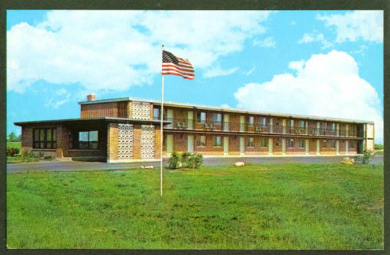 Mister David Motel Batavia NY postcard 1960s