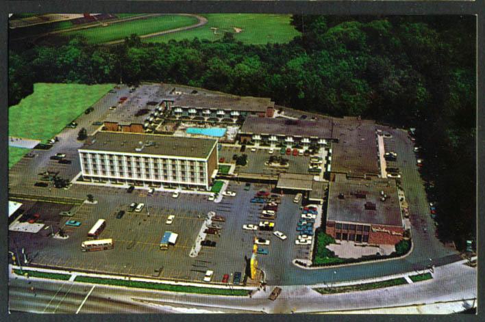 Holiday Inn near Ford Dearborn MI postcard 1960s