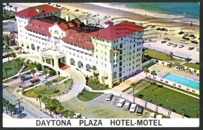 Daytona Plaza Hotel-Motel FL postcard 1967
