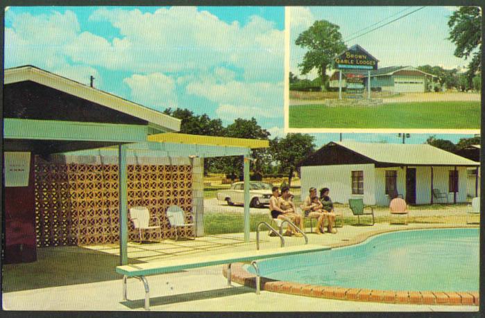 Brown Gable Lodges Buchanan Dam TX postcard 1950s