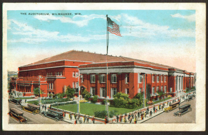 The Auditorium at Milwaukee WI postcard 1930