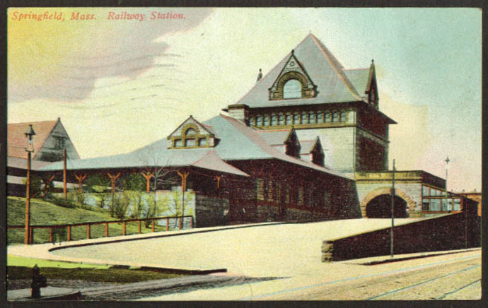 Railroad Stattion at Springfield MA postcard 1914