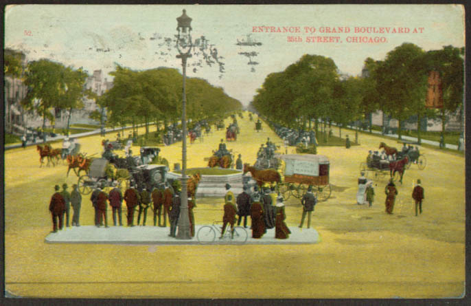 Entrance to Grand Boulevard at 35th Chicago postcard 1910