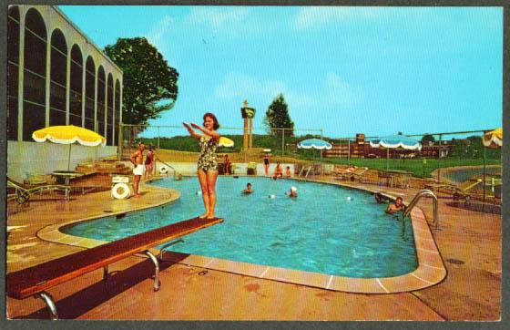 Pool at Holiday Inn Arlington VA postcard 1950s