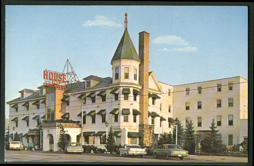 House of Ludington Hotel Escanaba MI 1957 Plymouth Fury postcard 1962