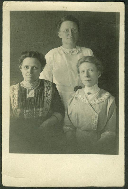 Mom, Aunt Sue and Aunt Nell Dewey RPPC postcard 1910s