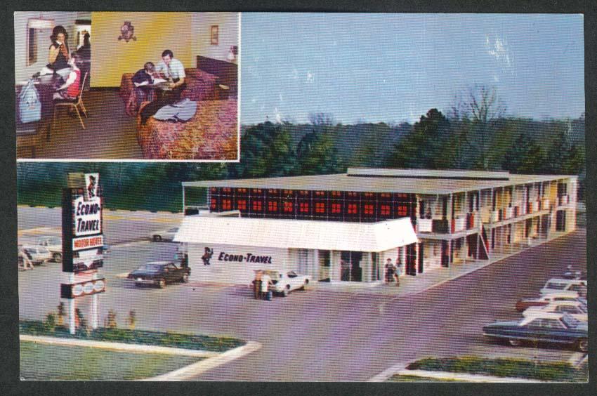 Econo-Travel Motor Hotel Harrisburg PA postcard 1970s