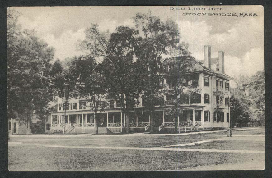 Red Lion Inn Stockbridge MA postcard 1910s