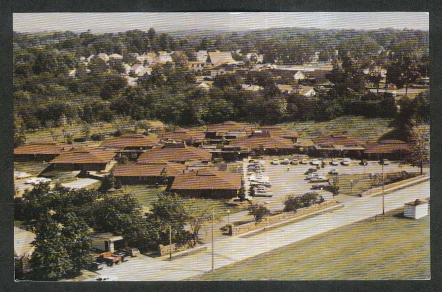 Wickliffe Country Place 1919 Bishop Road Wickiffe OH postcard 1960s