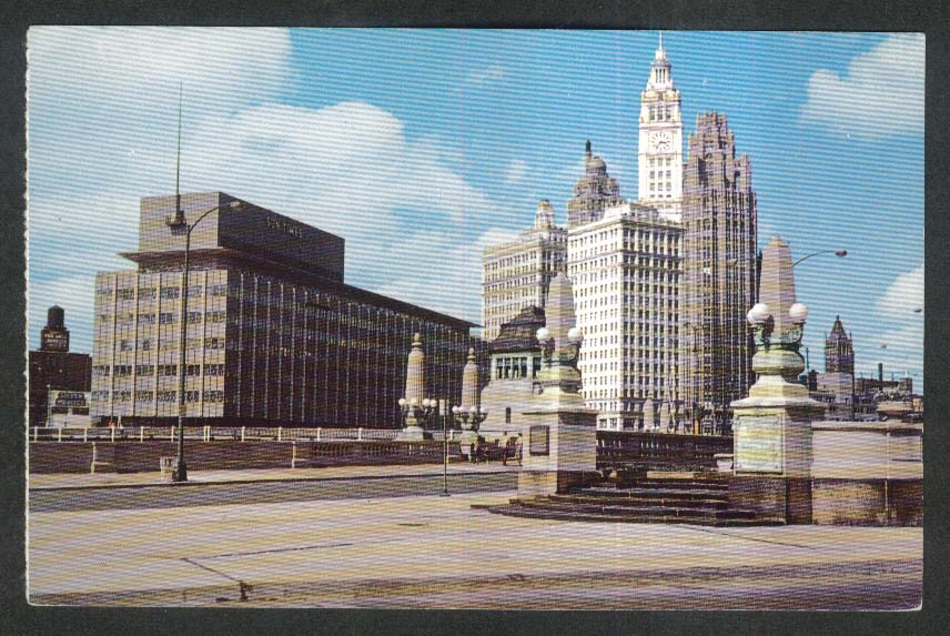 Sun-Times Building Wrigley Tribune Wacker Drive Plaza Chicago IL postcard 1950s