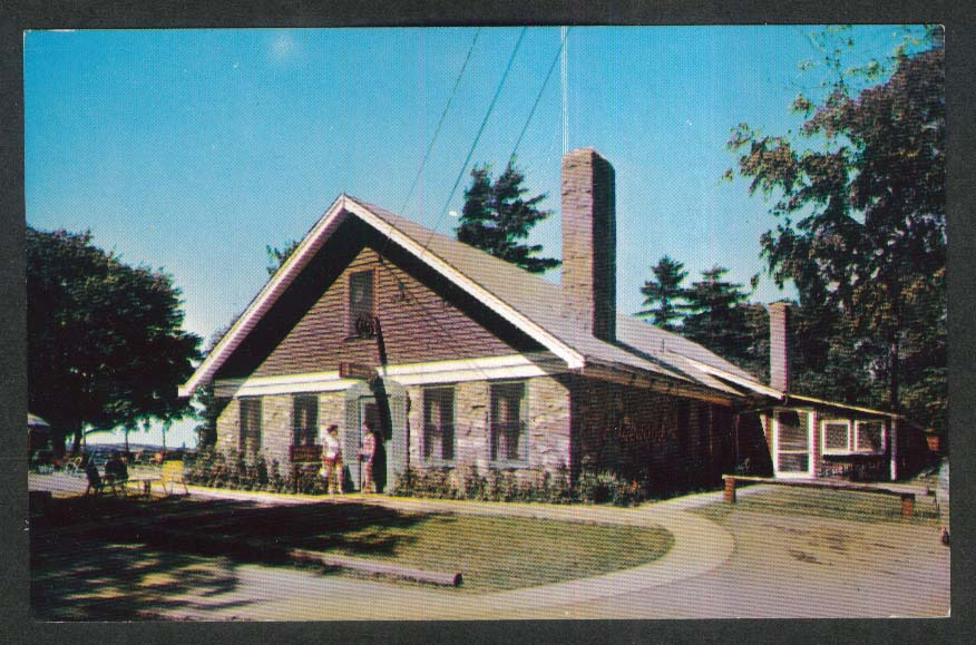 The Edgewood Resort 1000 Islands Alexandria Bay NY postcard 1950s