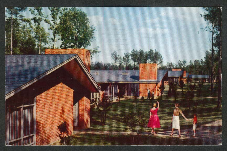 The Motor House Williamsburg VA postcard 1962