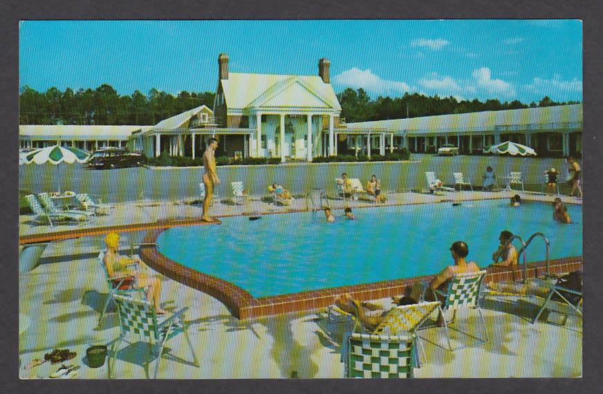 Pool at Colony Motel Page Street Williamsburg VA postcard 1950s