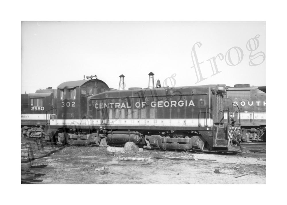 Central of Georgia diesel locomotive #302 5x7