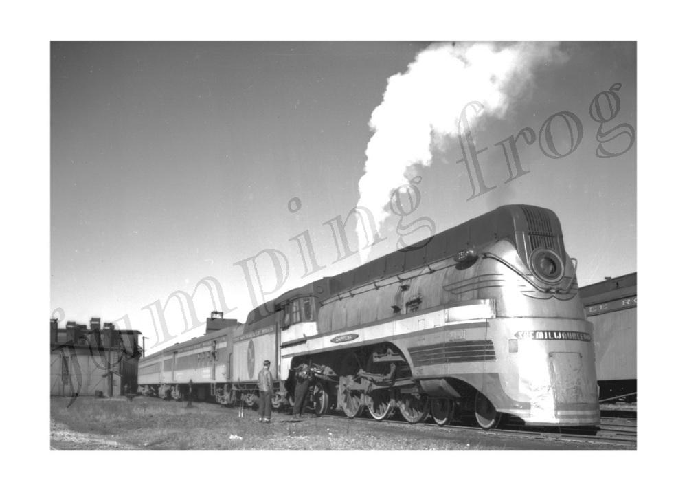 Milwaukee Road Chippewa steam locomotive #151 5x7