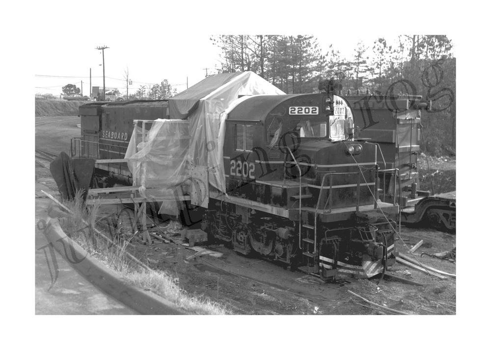 Seaboard Coast Line diesel locomotive #2202 5x7