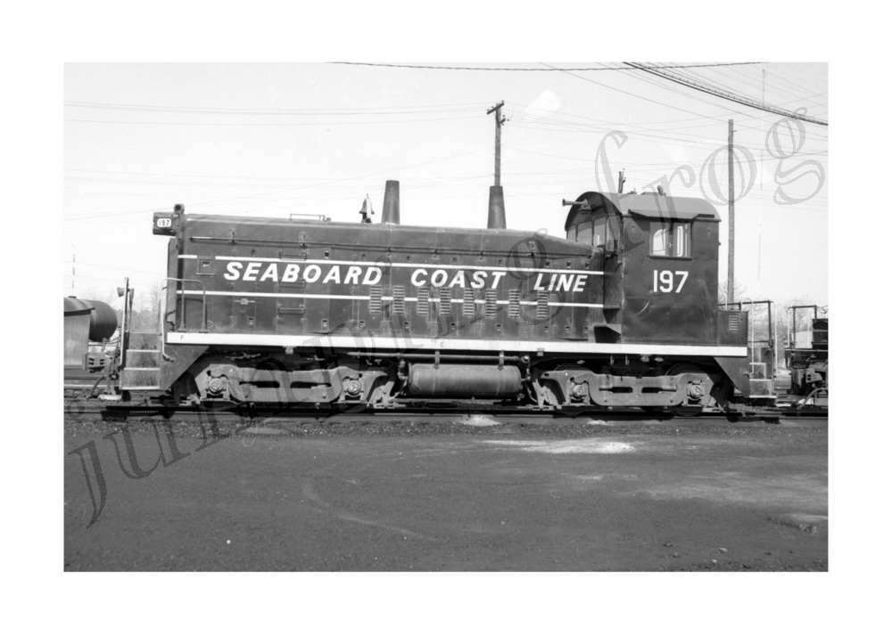 Image for Seaboard Coast Line diesel locomotive #197 5x7